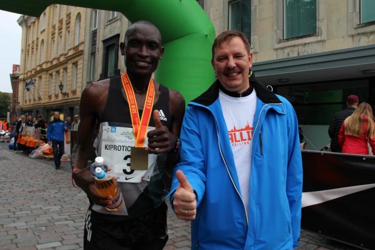 FOTOD! SEB Tallinna Maratoni poolmaratoni võitis keenialane, Tiidrek Nurme kiireima eestlasena neljas