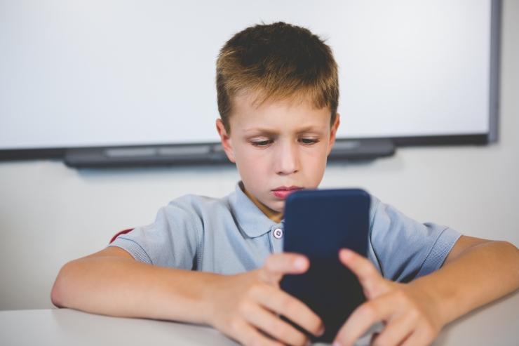 Kuidas vältida lapse hiigelsuuri telefoniarveid?