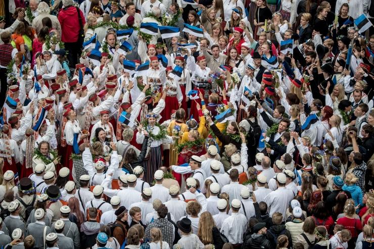 FOTOD! Tallinn tänas laulu- ja tantsupeo juhte