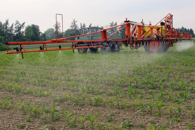 Maaeluministeerium plaanib piirata taimekaitsevahendite väärkasutamist