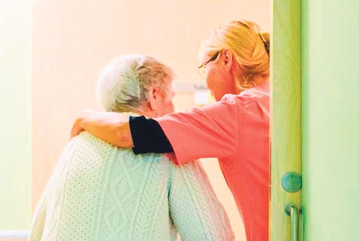 HOOLDEKODU JUHT: Eakas vajab ka hooldekodus olles perekonna lähedust!