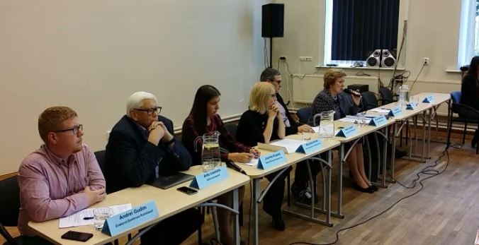 VAATA OTSE: Kuidas parandavad Tallinna poliitikud puuetega inimeste olukorda?