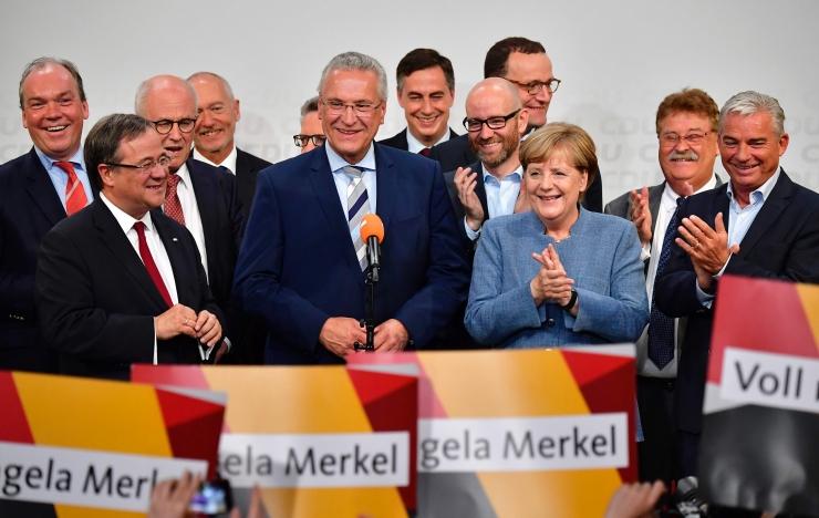 Merkel võitis neljanda ametiaja, parempopulistid pääsesid parlamenti