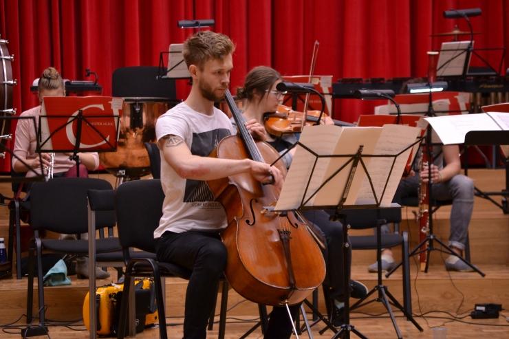 Uue Tänava Orkester alustab hooaega Eesti Raadio 1. stuudios