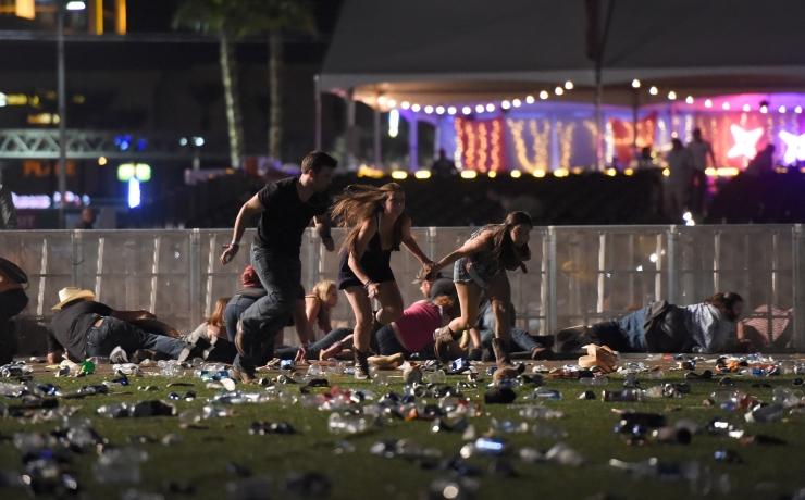 FOTOD JA VIDEO! Las Vegases hukkus tulistamises vähemalt 58 inimest