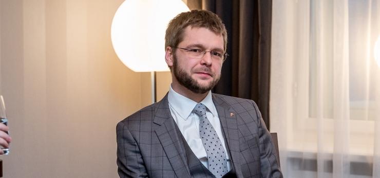 Ossinovski: inimestele tuleb näidata, et teadus ja faktid on väärtuslikumad kui esoteerika ja emotsioonid