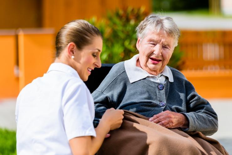 Õendusjuht: dementsus on Eestis aladiagnoositud - arst ei tea üksikute eakate olukorda