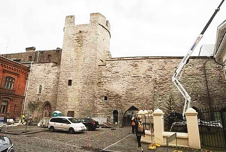 Iidne Bremeni torn sai värske kuue