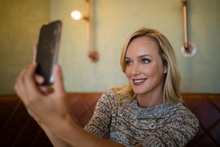 Helkuri peegeldamisvõimet saab kontrollida mobiiltelefoniga