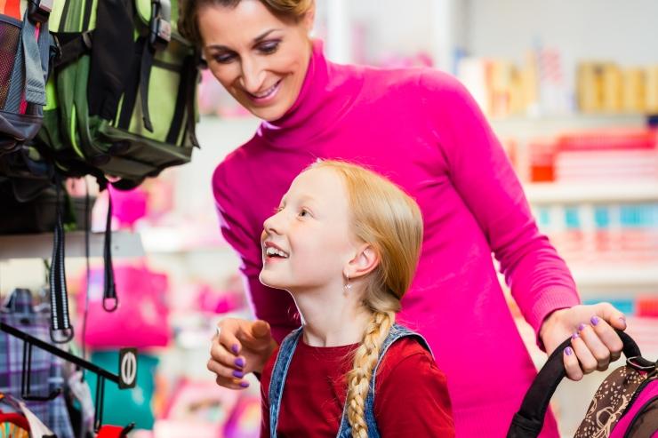 Tallinn toetab kooliteed alustanud lapse peret