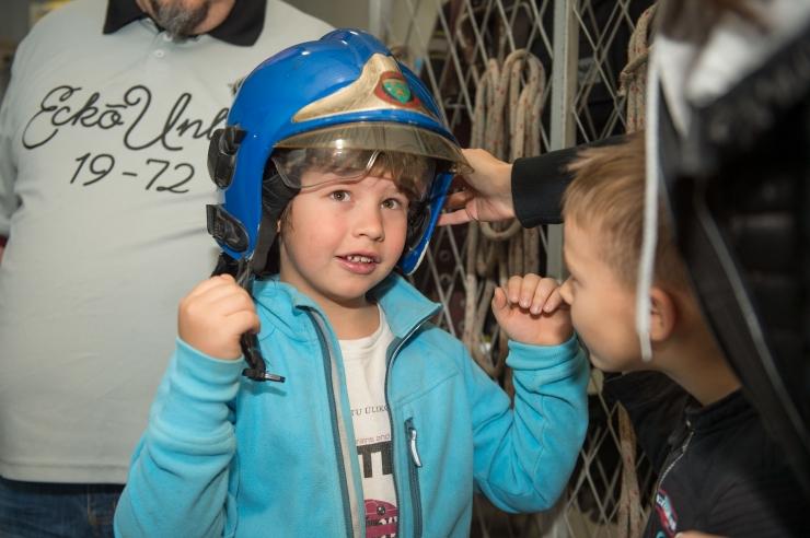 FOTOD! Päästjad jagasid pereemadele ja lastele turvanõuandeid
