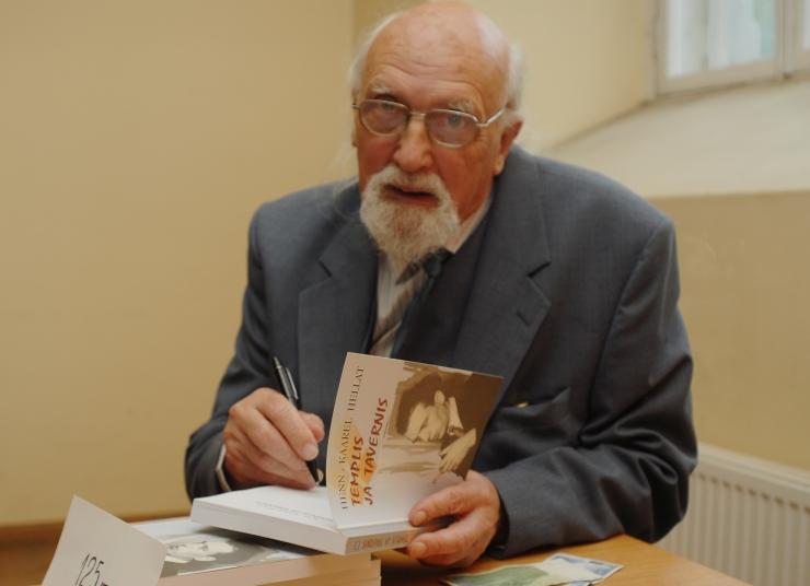 Suri kirjanik Henn-Kaarel Hellat