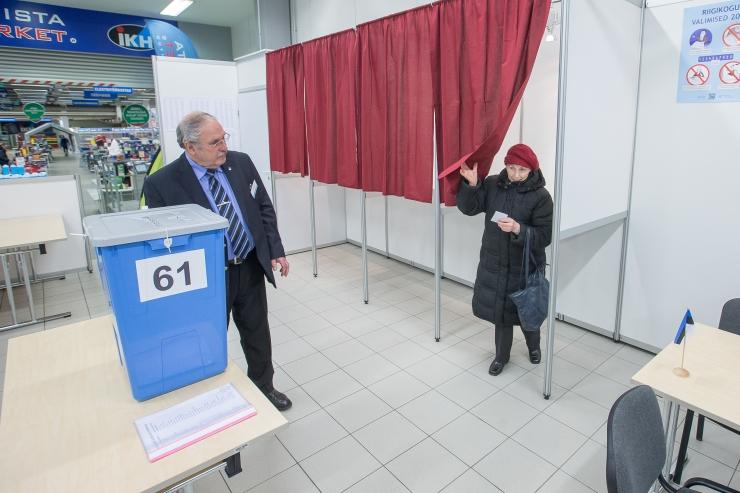 Enam kui 400 000 hääle lugemise järel juhivad jätkuvalt valimisliidud
