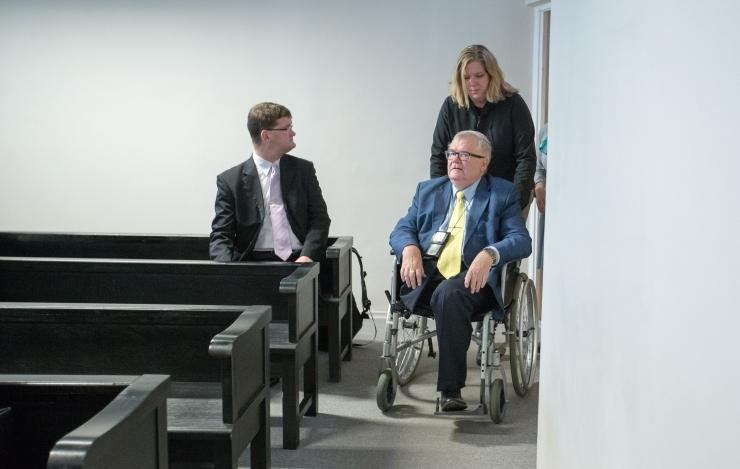 Šveitsi tunnistaja kuulamine lükkub Savisaare protsessil edasi