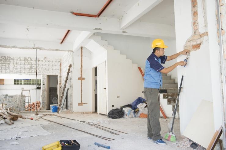 Vahendaja petab Eestis ukrainalastest ehitajaid