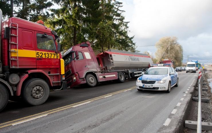 Politsei leidis igalt kolmandalt raskeveokilt rikkumisi