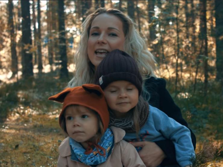 """IMEARMAS VIDEO! Eesti kuulsused laulavad koos lastega laulu """"Maa tuleb täita lastega"""""""