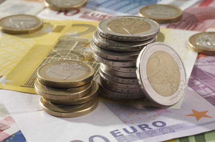 Eesti Pank: madalapalgaliste palk tõuseb suurepalgalistest kiiremini
