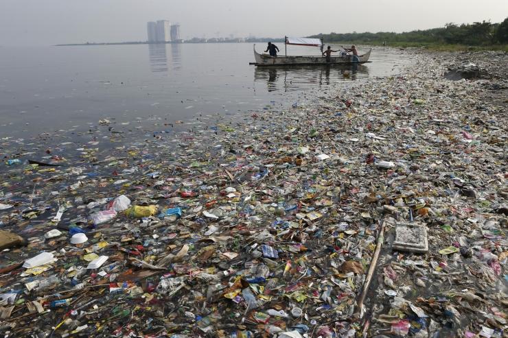 EKSPERT: Kliimamuutuste kõrval on unarusse jäänud katastroofiline mikroplastiku reostus vetes