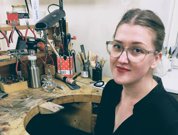 FOTOD! Hanna-Maria Vanaküla sai parima noore ehtekunstniku stipendiumi