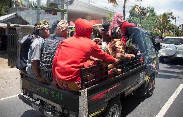 Simson: veoki kastis inimeste sõidutamine võib tekitada vastuolu ühiskonna ootustega