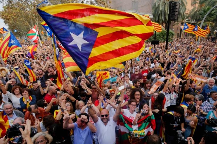 Kataloonia parlament kiitis heaks Kataloonia vabariigi loomise