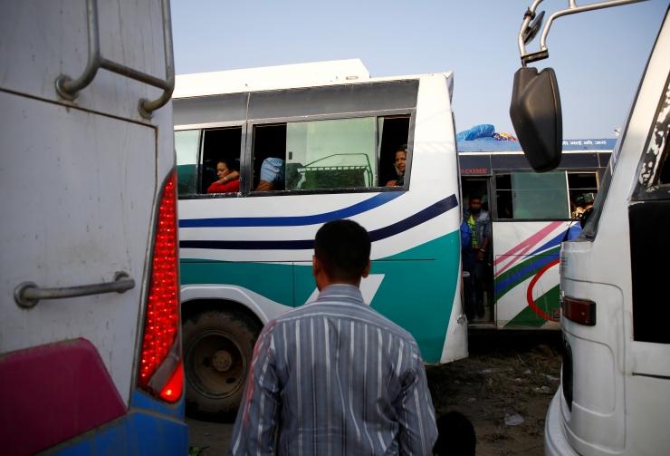 Nepalis hukkus bussiõnnetuses vähemalt 28 inimest