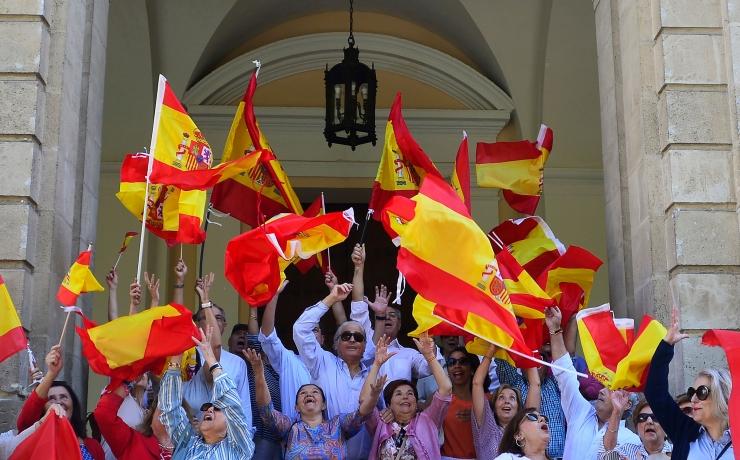 Barcelonas nõudsid sajad tuhanded Hispaania ühtsuse hoidmist