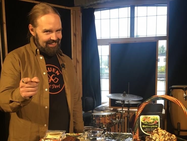 """VIDEO! Markus Teeäär Metsatöllist käis TTV saates """"Ela hästi!""""  vegan-tooteid hindamas"""