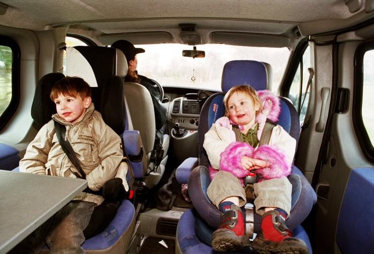 Loe, kuhu panna autos lapse turvatool