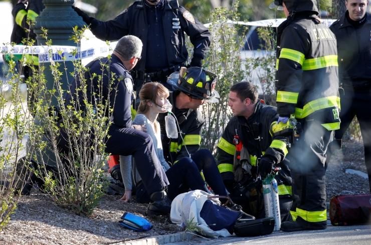 FOTOD: Manhattani veokirünnakus hukkus kaheksa inimest, ründaja oli 29-aastane usbekk
