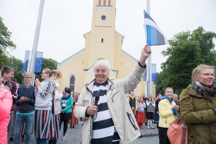 Emakeeleõpetajad tunnustavad Ivo Linnat