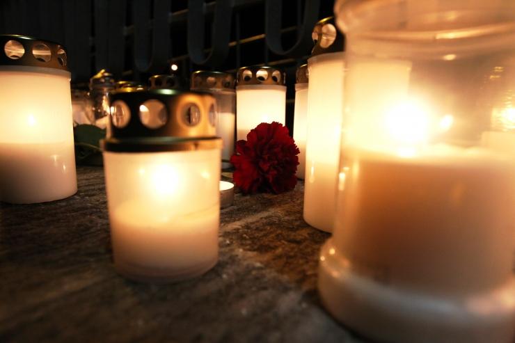 Pärnumaal hukkus bussiga teelt välja sõitnud 61-aastane mees