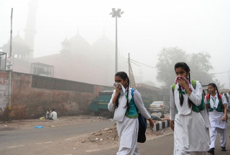 India pealinna võimud sulgesid mürgise sudu tõttu kõik koolid