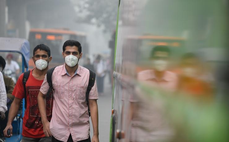 Delhi piirab sudu tõttu autoliiklust