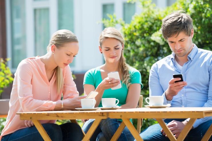 Noored alustavad ja lõpetavad suhteid internetis