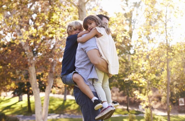 Eesti isal on kuni kaks last, ta on 38-aastane, abielus ja elab linnas