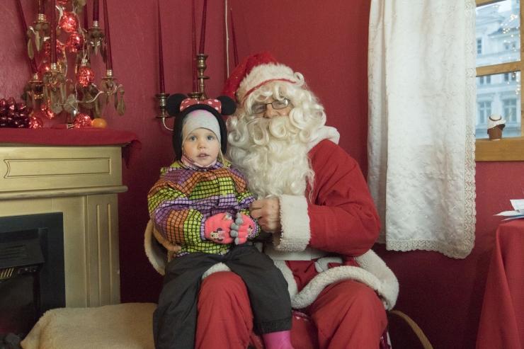 Tuledes särama lööv kuusk avab reedel Raekoja platsi jõuluturu