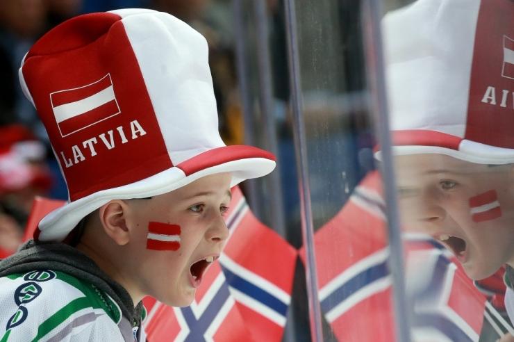 Läti tähistab iseseisvuspäeva seni suurima paraadiga