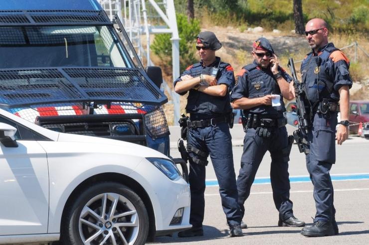 """Hispaania politsei tulistas """"Allahu akbar"""" hüüdnud prantslast"""