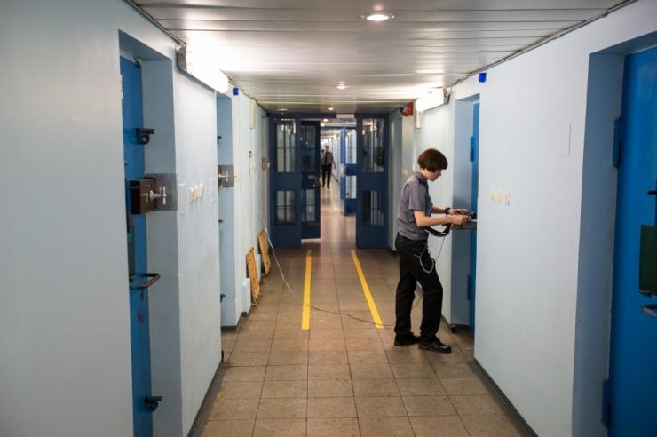 Vandeadvokaat vanglasüsteemist: absurd, kord nädalas saab duši all pesta