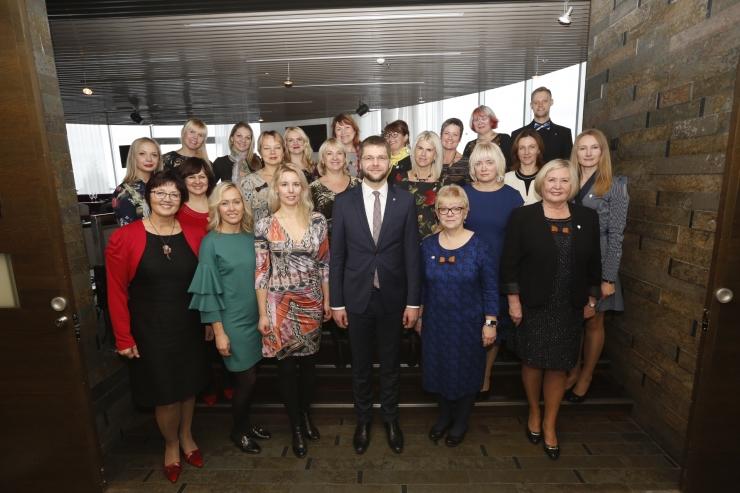 FOTOD! Minister Ossinovski tänas maavalitsuste tervisedendajaid