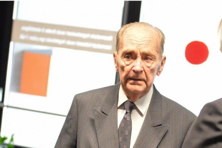 Aadu Luukase missioonipreemia sai veteranpoliitik Vaino Väljas