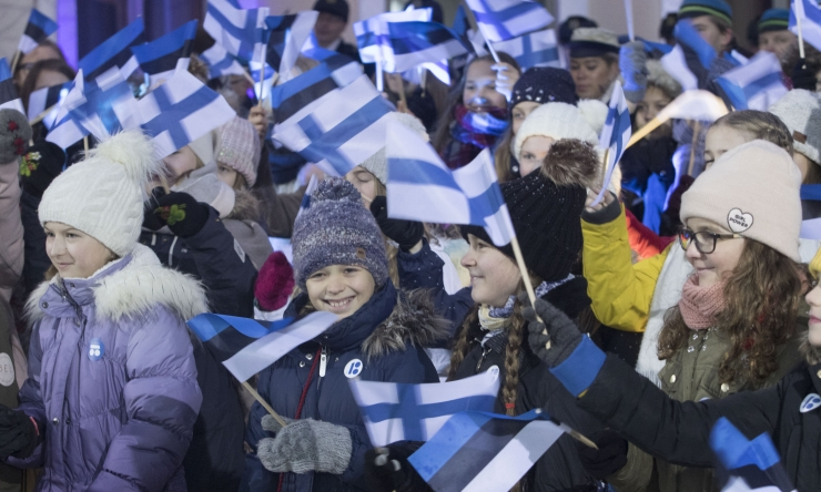 VIDEO JA FOTOD! Ratas ühislaulmisel: soovime vennasrahvale palju õnne ühist teekonda Eestiga