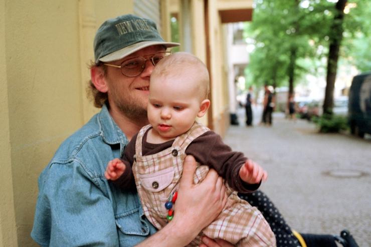 Vanemapuhkus muutub paindlikumaks ja isapuhkus pikemaks