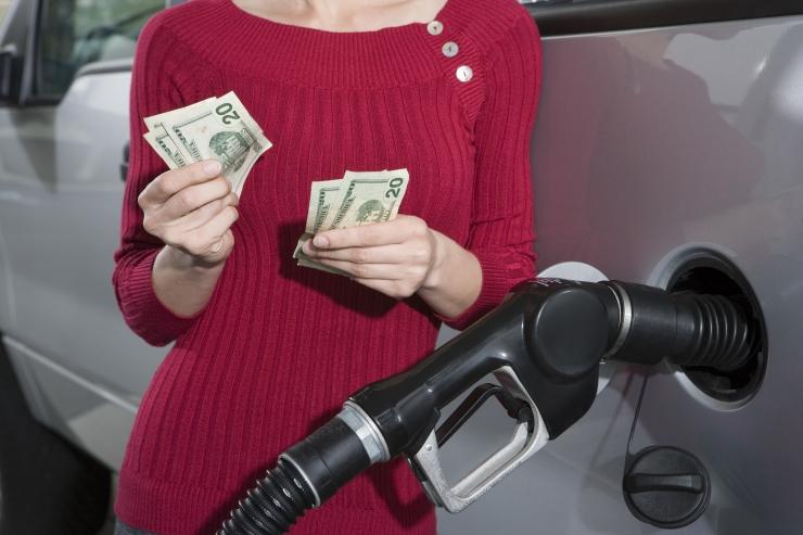 Swedbank: hinnatõus kiirenes mootorikütuste kallinemise tõttu