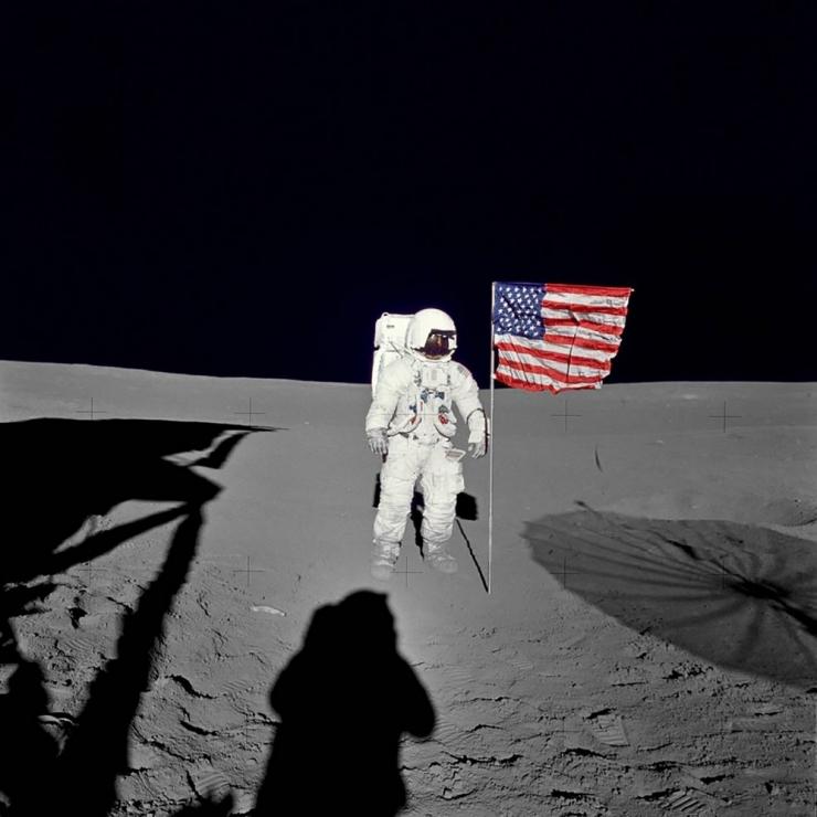 USA president väljastas määruse Kuule lendamisega taasalustamiseks