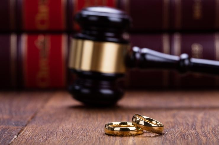 Indoneesia kohus ei nõustunud abieluvälist seksi keelama