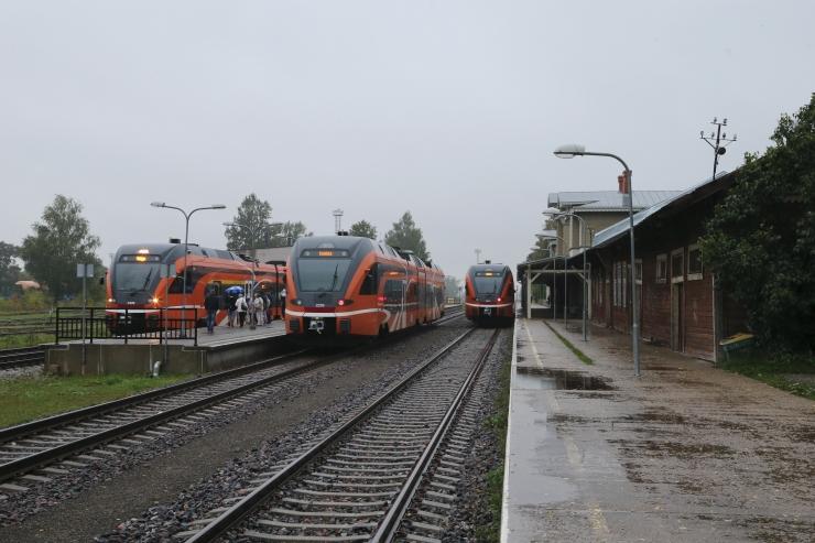 Raudtee-ettevõte E.R.S. lubab ametivõimudega koostööd teha