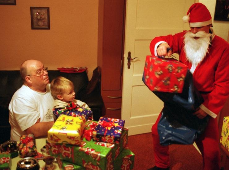 Tallinn ja Pärnu otsivad lastele vabatahtlikku jõuluvana